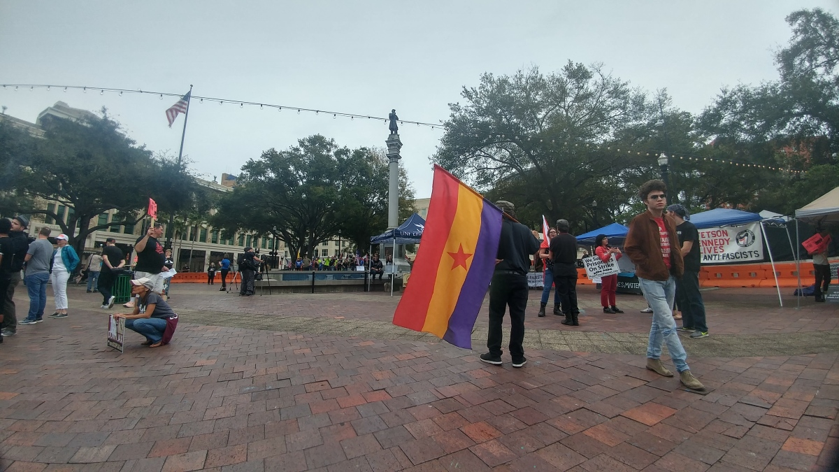 Protesters gather for latest Confederate monument battle in downtown Jacksonville